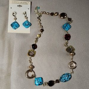 Earring & Necklace Set!
